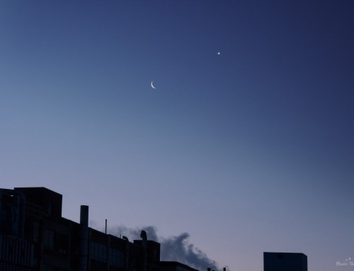 Moon and Venus before dawn