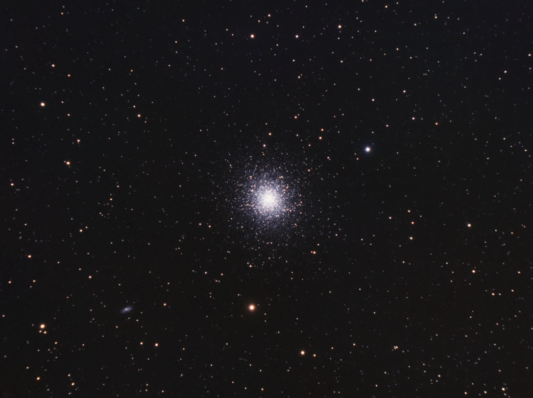 M13 globular cluster imaged with an Esprit 100 triplet and ASI1600mm-c